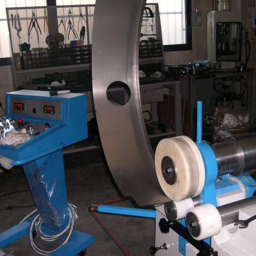 Extra profile bending device